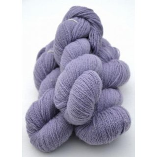 5121 Lavender on white wool
