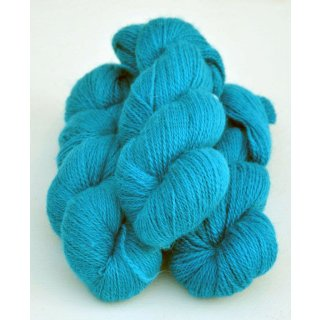 4101 Turquoise on white wool